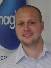 Douglas - Analista Programador Magic Software Brasil